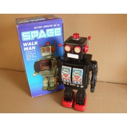 ME 100 Space Walk Man Robot