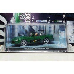 James Bond Car Collection 6 Jaguar XKR Die Another Day & Magazine