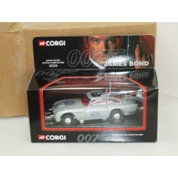 CORGI 04303 James Bond Aston Martin DB5 COLLECT 99 Limited Edition
