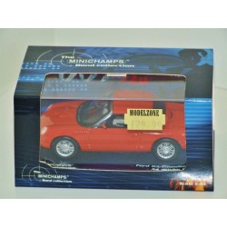 Minichamps The Bond Collection Ford 03 Thunderbird